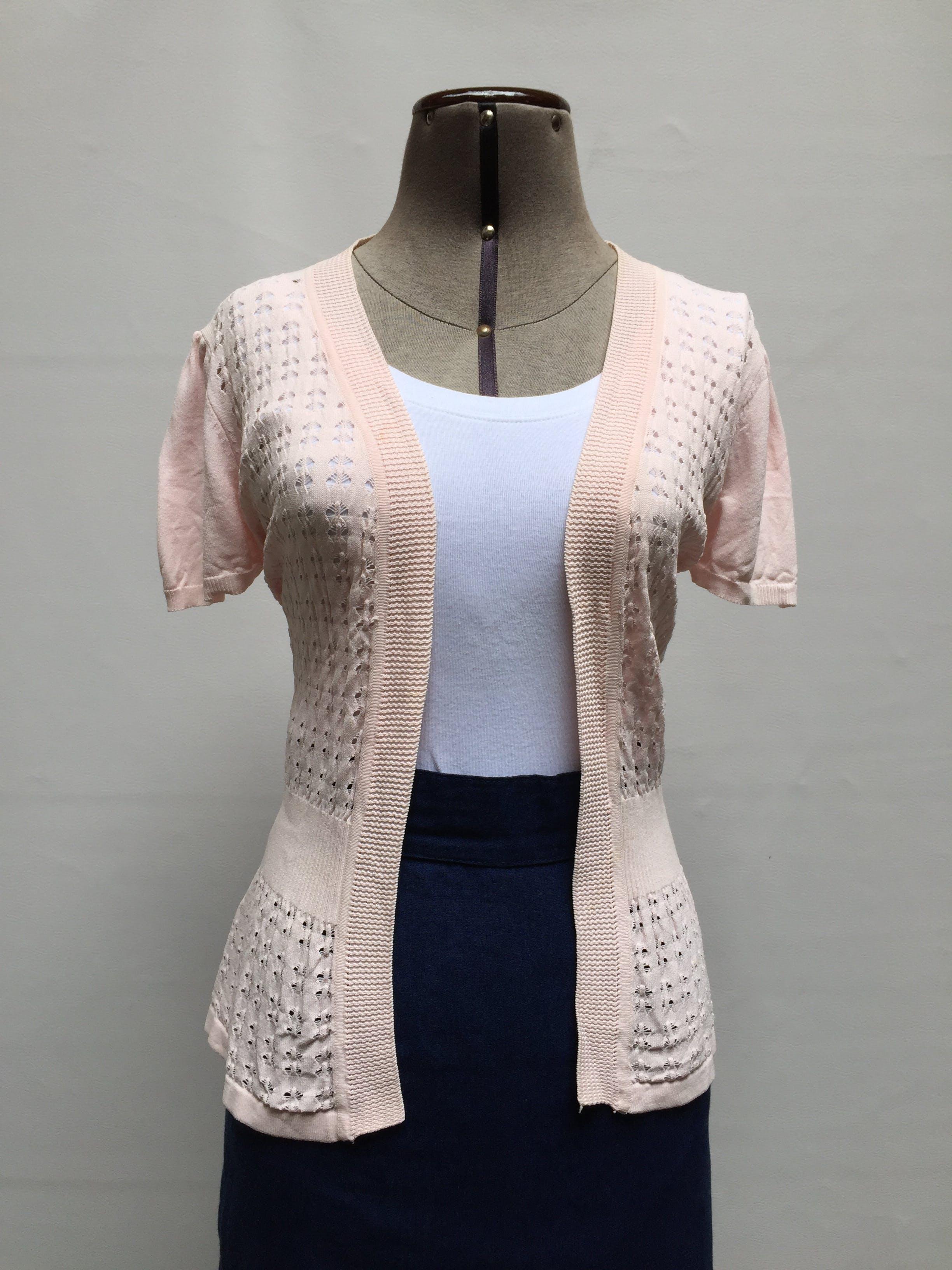 Cardigan Moixx abierto, tejido con calado rosa y pretina en la cintura   Talla S