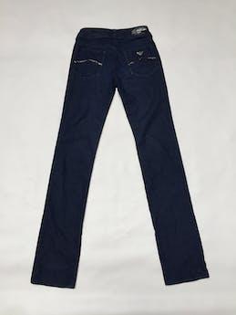 Pantalón Armani Jeans azul, 79% algodón, bolsillos delanteros y posteriores con strass, es pitillo y ligeramente stretch. Precio original USD100 Talla 25 foto 1