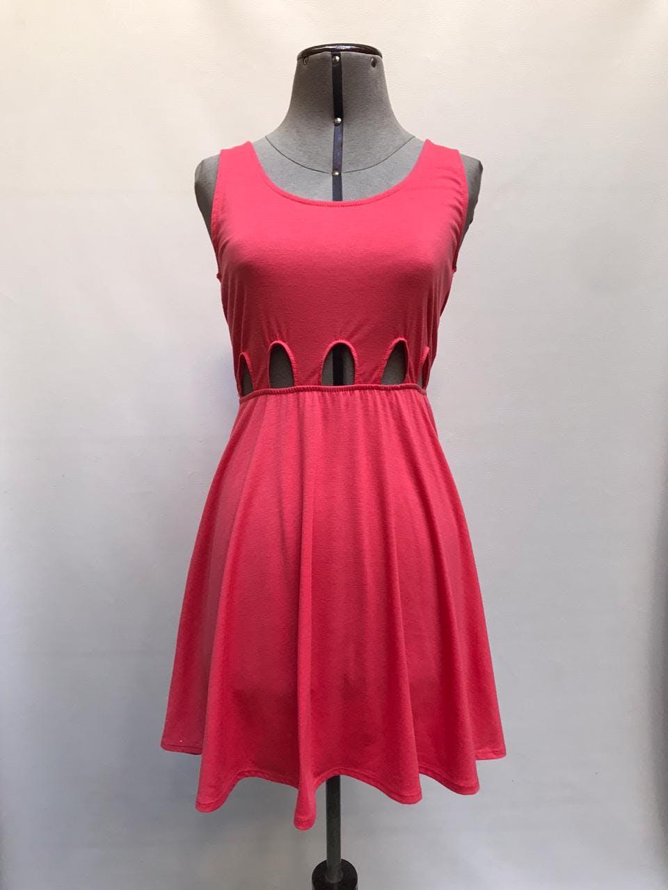 Vestido coral tela tipo algodón con aberturas y elástico en la cintura, corte de falda campana Talla S