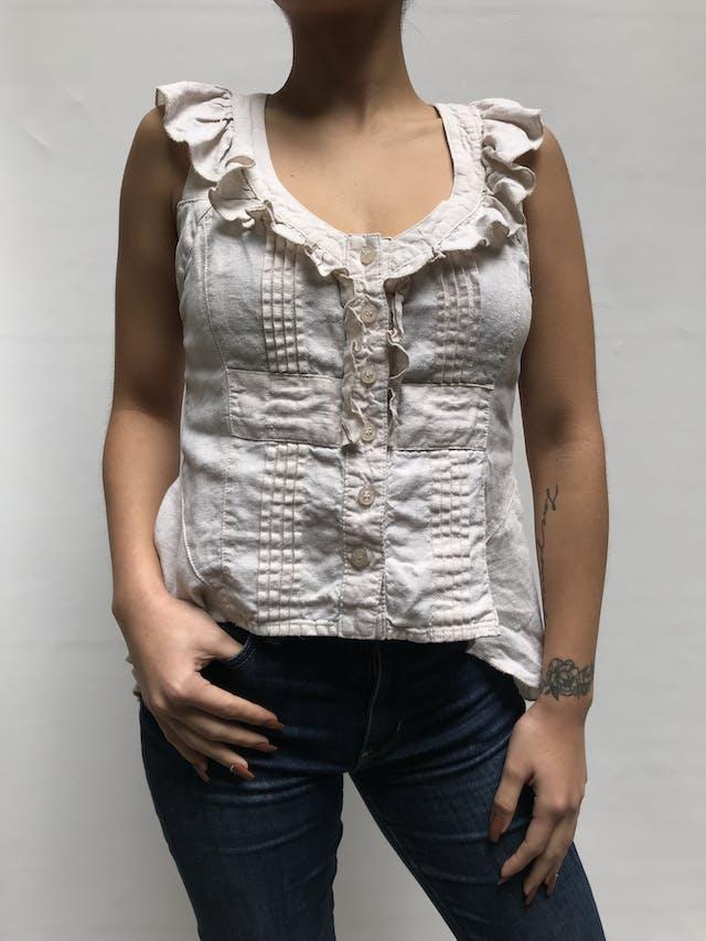 Blusa Emporium crema con bobos en escote y botones, 100% algodón. Fresca!  Talla S  foto 1