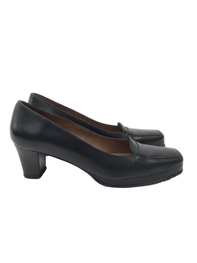Zapatos Tanguis 100% cuero negro, taco 5. Estado 9/10. Precio original S/ 200 foto 1