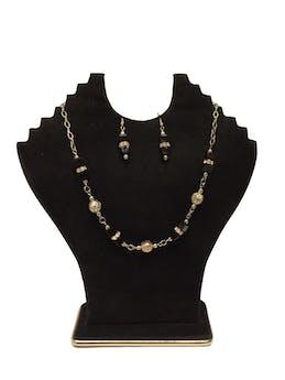 Collar de bolitas plateadas forradas en estilo filigrana con  piedras cúbicas negras y strass Circunferencia: 44 cm  foto 1