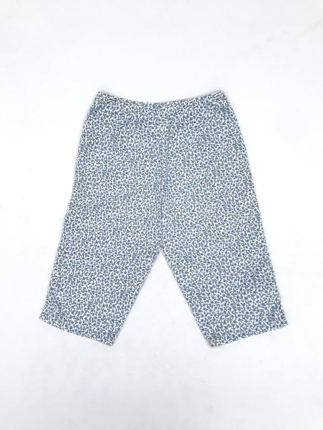 Capri Liz Claiborne, 100% algodón blanco con estampado de flores celestes, a la cintura. Arma lindo! Precio original S/ 130 Talla S foto 2