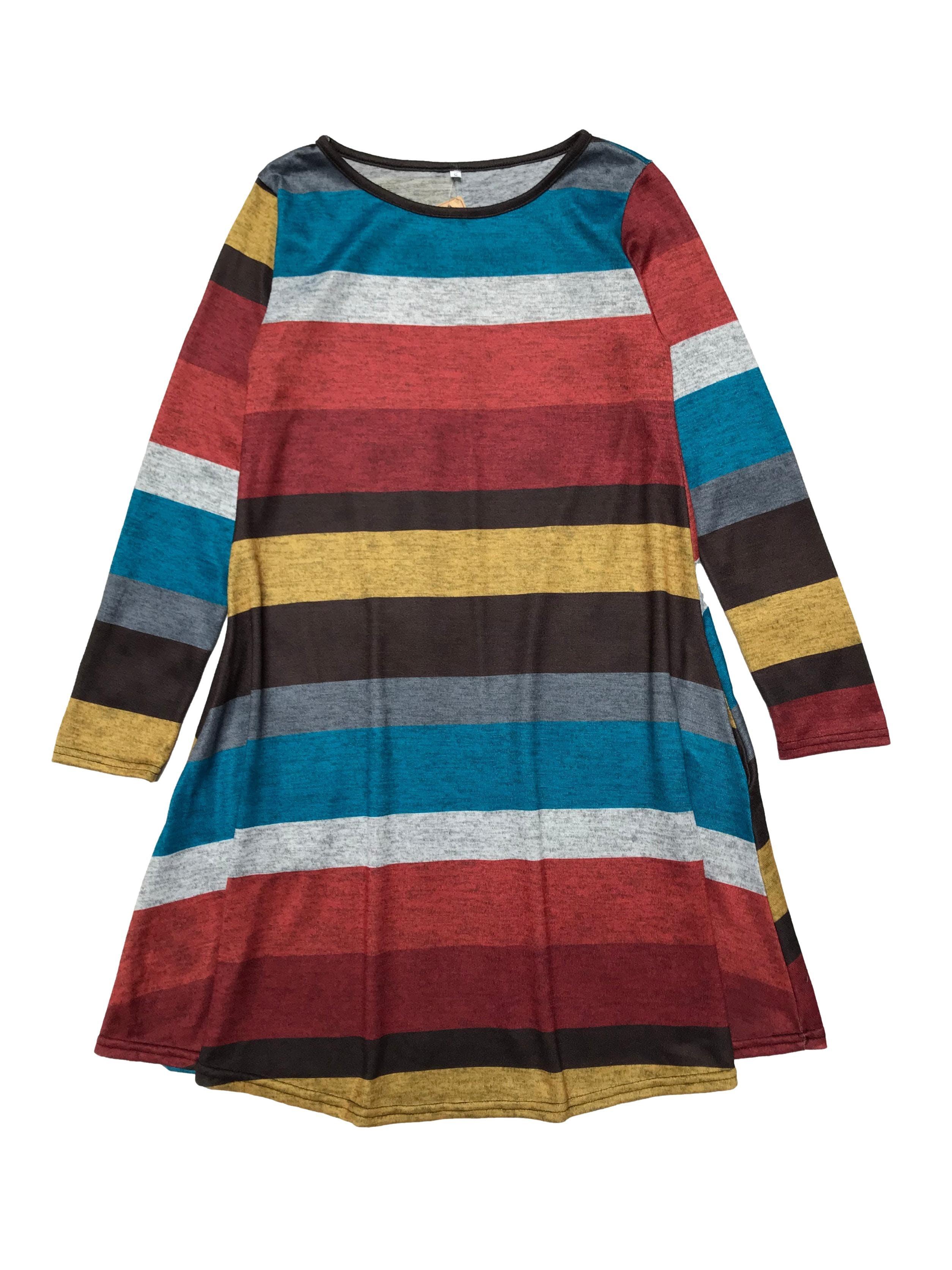Vestido manga larga de punto, en franjas multicolor, corte en A con bolsillos laterales. Busto 90cm Largo 90cm