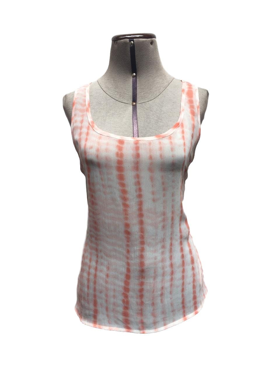 Blusa Denimlab de gasa con estampado Batik en tonos blanco y salmón Talla S/M