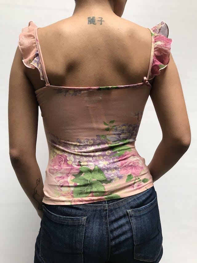 Blusa palo rosa con volantes de gasa en hombros y pecho, ligeramente stretch Talla S foto 2