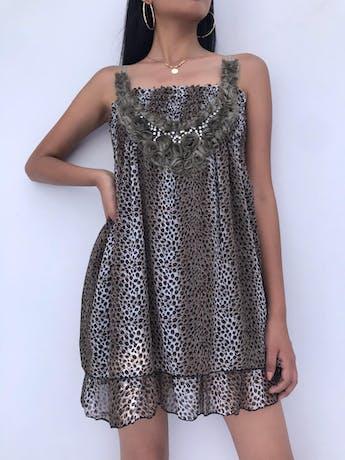 Vestido mini de gasa animal print con aplicaciones de rosas y panal de abeja en la parte superior, falda en dos tiempos y forrada Talla S foto 2
