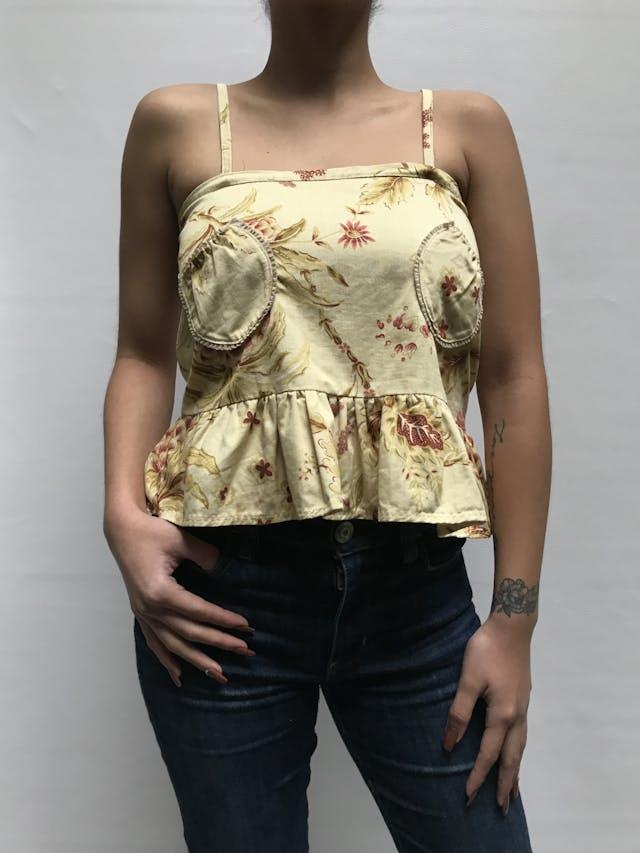 Blusa de tiritas amarilla, de algodón grueso, bolsillos parche en el pecho, cierre lateral y volante en la basta Talla S foto 1