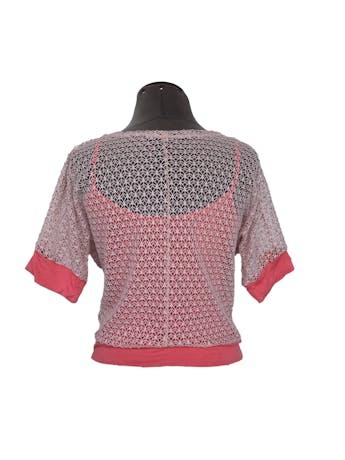Polo tipo red rosada con forro y ribetes coral Talla S foto 2