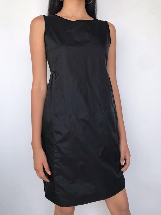 Vestido MaxMara negro, pinzas a los laterales debajo del busto, falda en A, forrado. Hermoso y atemporal! Precio original USD200 Talla S (Puede ser M chico) foto 1