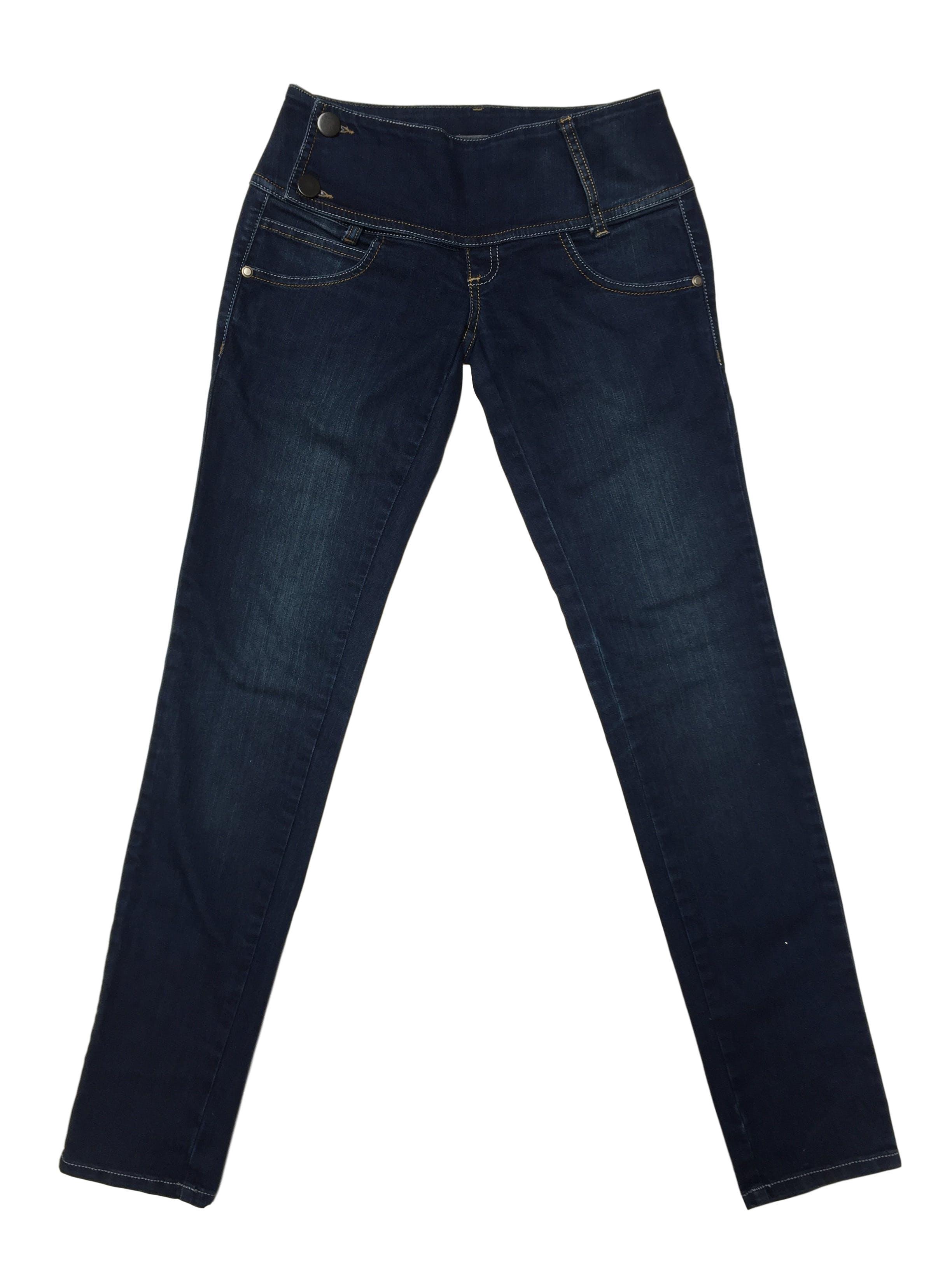 Pantalón Scombro jean 97% algodón, pretina ancha con doble botón Talla 26