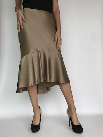 ¡PIEZA! Falda Ralph Lauren, 100% seda dorada satinada, con volante en la basta, elástico en la cintura y forro. Rica al tacto. Nueva con etiqueta. Precio original USD 365 Talla S (4) foto 2
