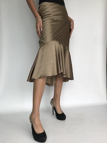 ¡PIEZA! Falda Ralph Lauren, 100% seda dorada satinada, con volante en la basta, elástico en la cintura y forro. Rica al tacto. Nueva con etiqueta. Precio original USD 365 Talla S (4) foto 3