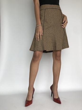 Falda Liz Claiborne tipo lanilla marrón beige jaspeada, ribetes marrones, corte en A. Cintura 76cm Largo 53cm foto 1