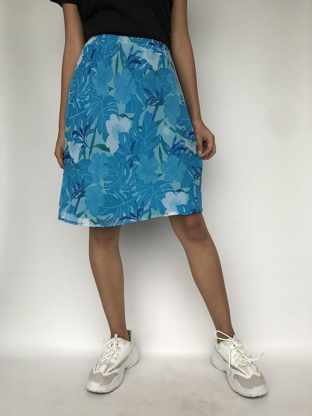Falda de gasa cone stampado de flores azules, forrada, con elástico en la cintura Talla 30 foto 2