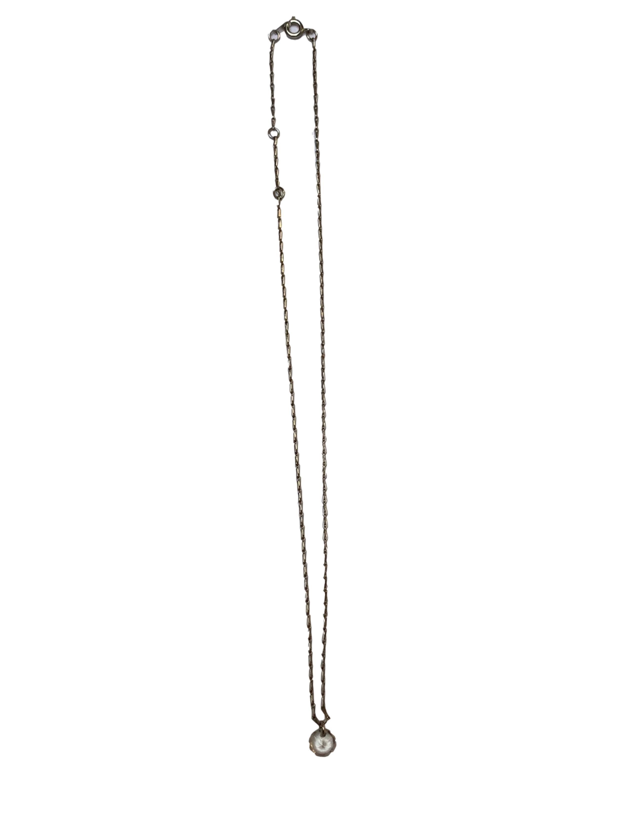 Collar cadenita plateada con dije diamante. Largo 44cm