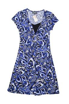 Vestido estampado de flores azul, negro y plomo, tela tipo lycra con hebilla en la cintura, escote profundo con forro. Largo 95 cm. foto 1