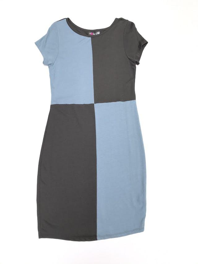 Vestido de punto delgado, estilo patchwork gris y celeste. Largo 98cm foto 1