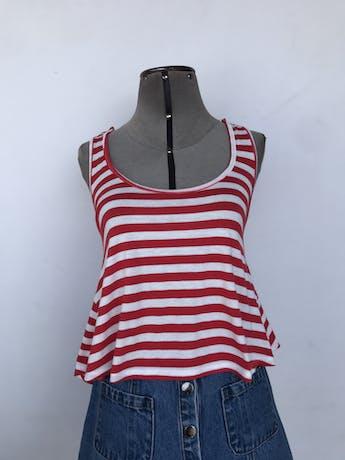 Polo de algodón a rayas balnco y rojo, con tiras cruzadas en la espalda Talla S foto 1