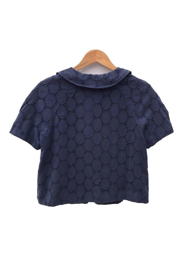 Casaca Ann Taylor Loft azul 100% algodón, forrada, cuello bebé con un solo botón. Precio original S/ 390 foto 2