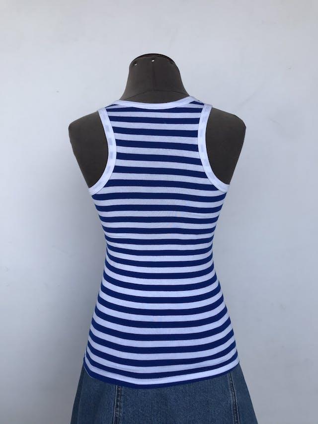 BVD de rayas azules y blancas, tela tipo algodón stretch y cuello redondo. Talla S foto 2