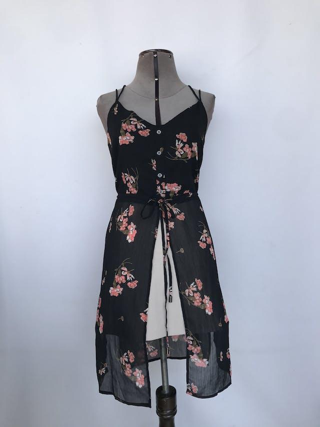 Blusa larga River Island de gada negra con estampado de flores, cintura regulable y aberturas laterales y delantera Talla S/M foto 1