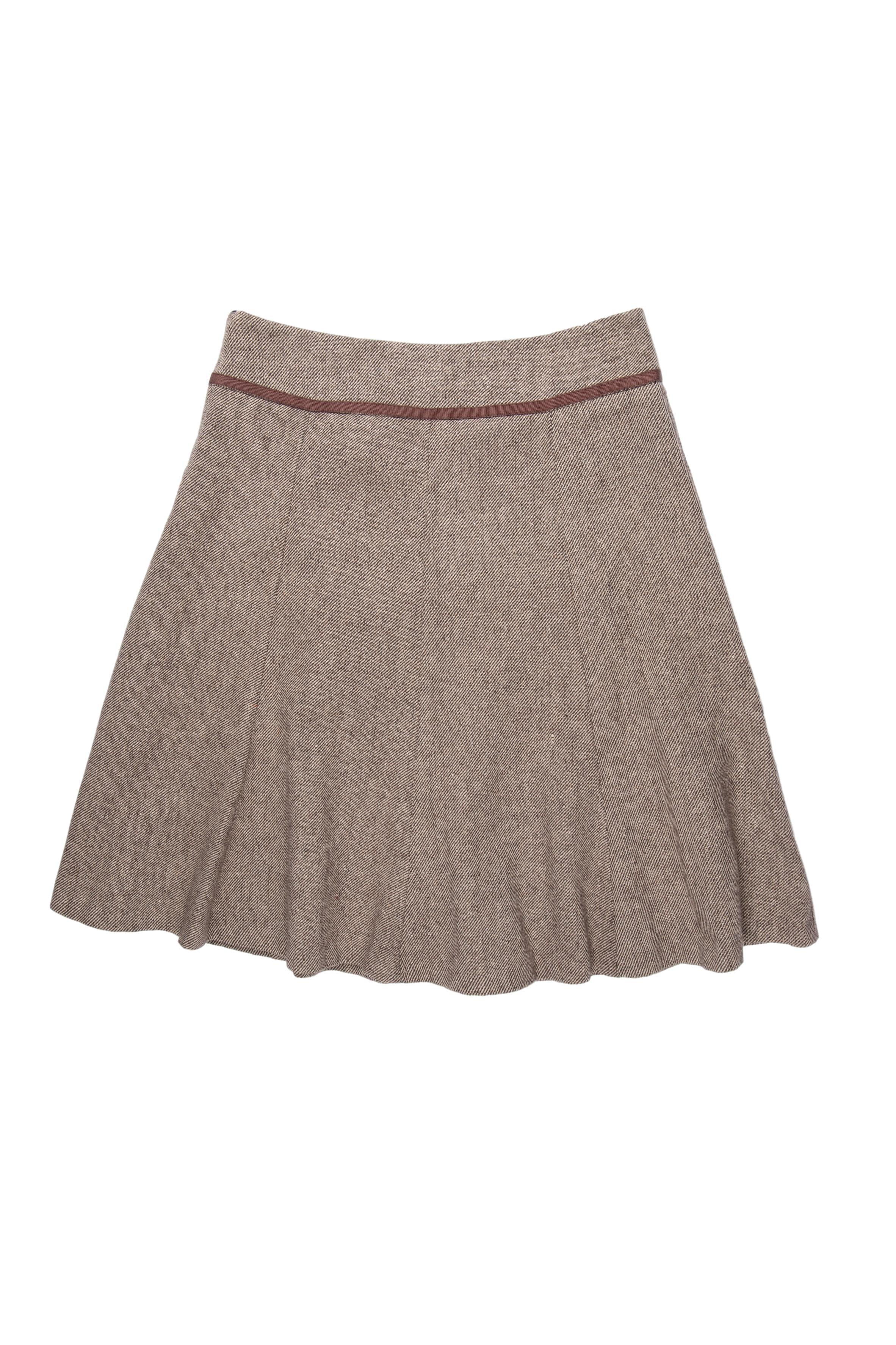 Falda Separates tipo lanilla en tonos marrones, corte campana, con cierre lateral y forro. Cintura 78 cm, Largo 60 cm