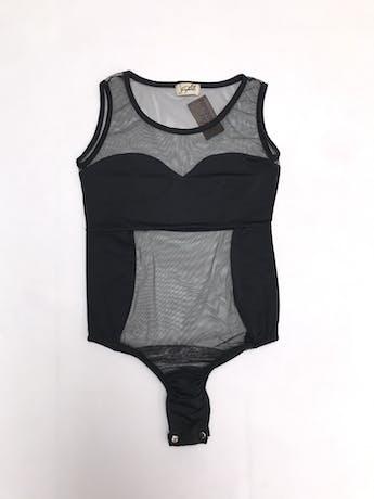 Body negro de tul, escote redondo, manga cero y elástico inferior con broches. foto 1