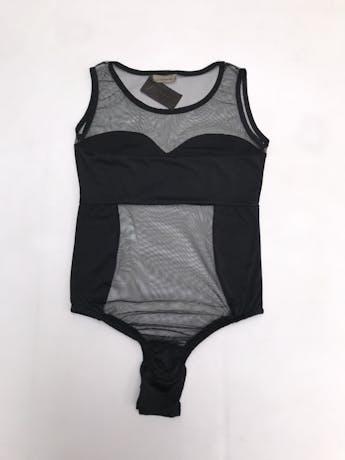 Body negro de tul, escote redondo, manga cero y elástico inferior con broches. foto 2