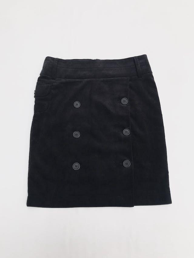 Falda de corduroy negro con doble fila de botones, bolsillos lateral y cierre posterior. Largo 50cm Talla S/M chico foto 1