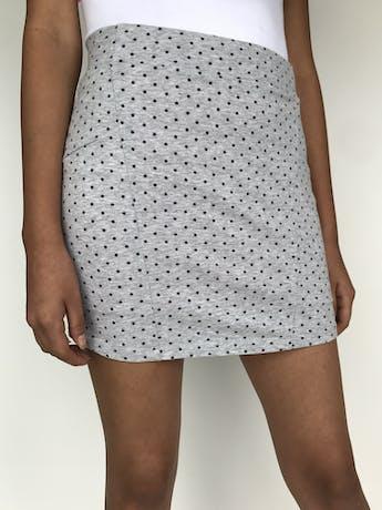 Falda de algodón stretch con puntos grises  Talla S/M foto 2