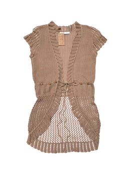 Cardigan beige, tejido calado, se amarra a la cintura. foto 1