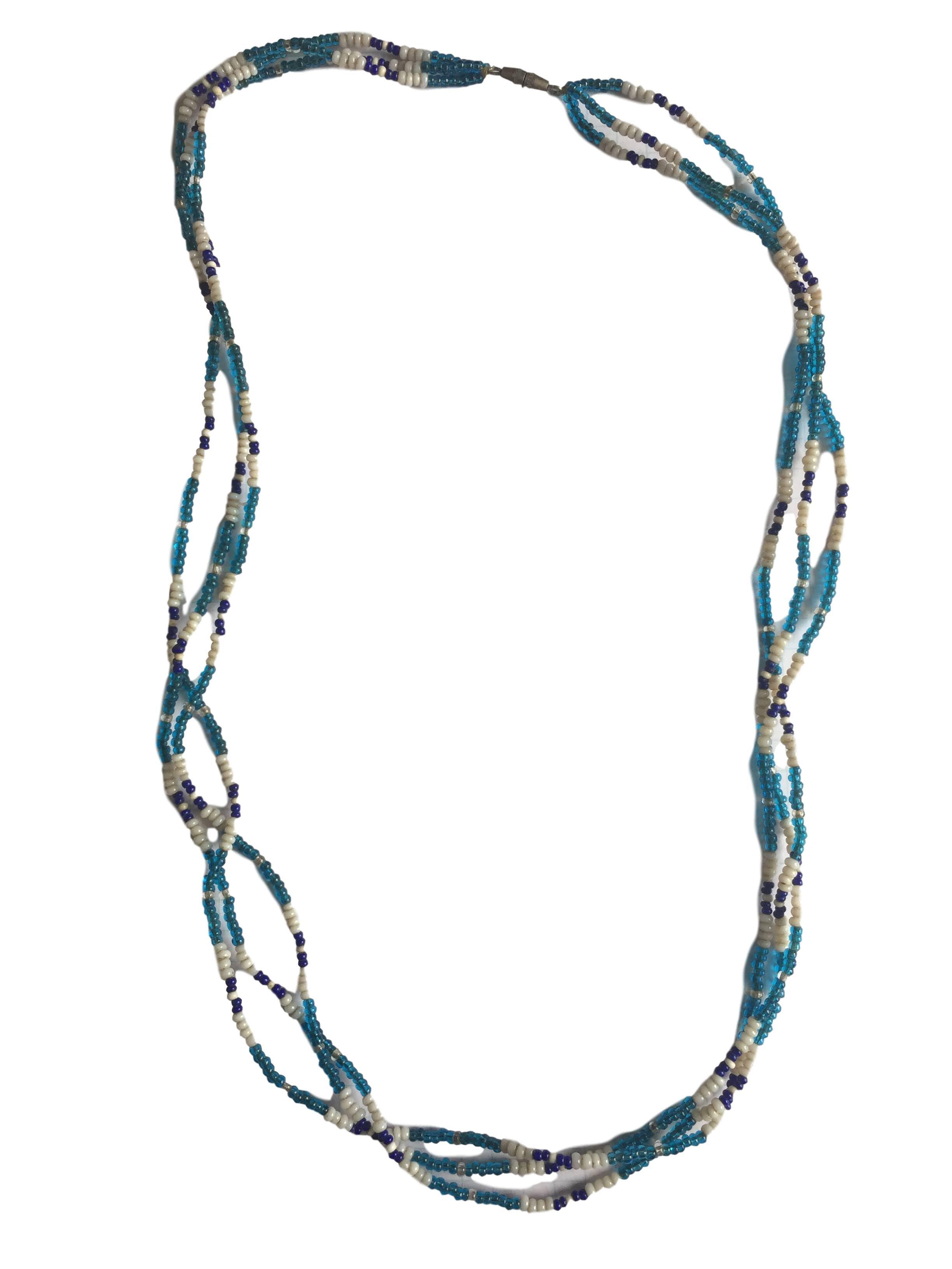 Collar de tres filas de mostacillas en tonos azules y blancos. Circunferencia 62cm