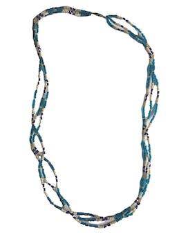 Collar de tres filas de mostacillas en tonos azules y blancos. Circunferencia 62cm foto 1