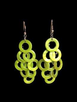 Aretes colgantes de círculos verdes. Largo 8cm foto 1