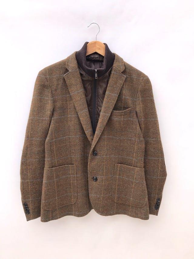 Abrigo Esprit vintage de lanilla marrón a cuadros, forrado, cuello y cierre removible (úsalo de ambas formas), coderas tipo gamuza marrón. Hermoso! Precio original S/ 330 foto 1
