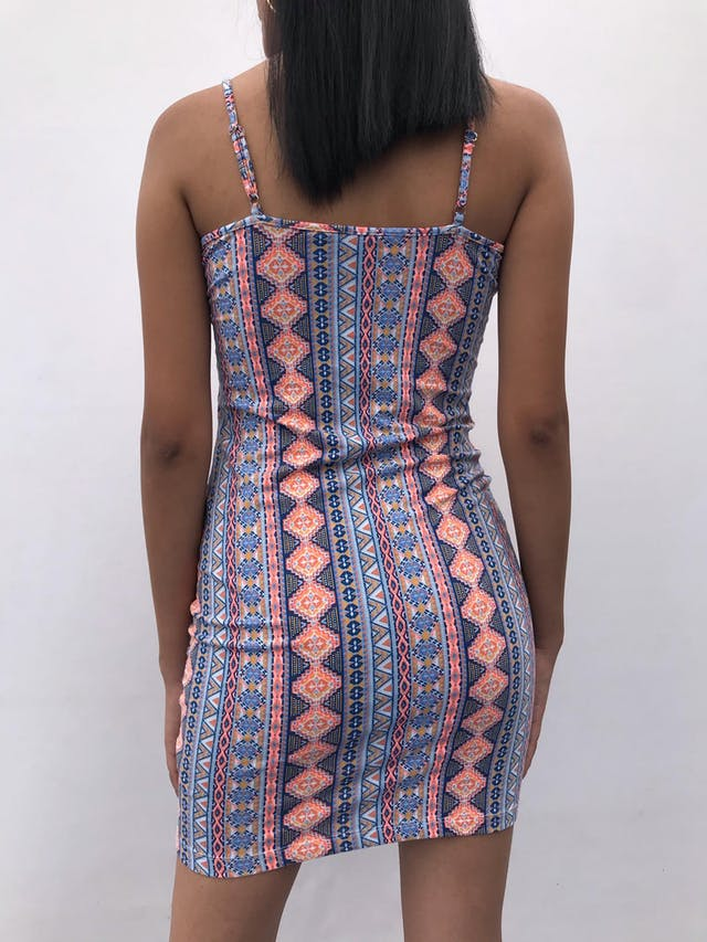 Vestido de tiritas con estampado tribal en tonos anaranjado y azules, 95% algodón stretch, escote en V Talla S foto 2