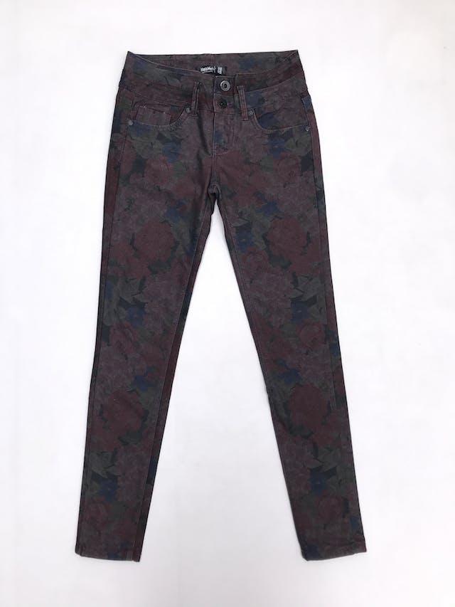 Pantalón pitillo Mossimo, jean con estampado de flores, pretina con dos cortes, bolsillos laterales y posteriores foto 1