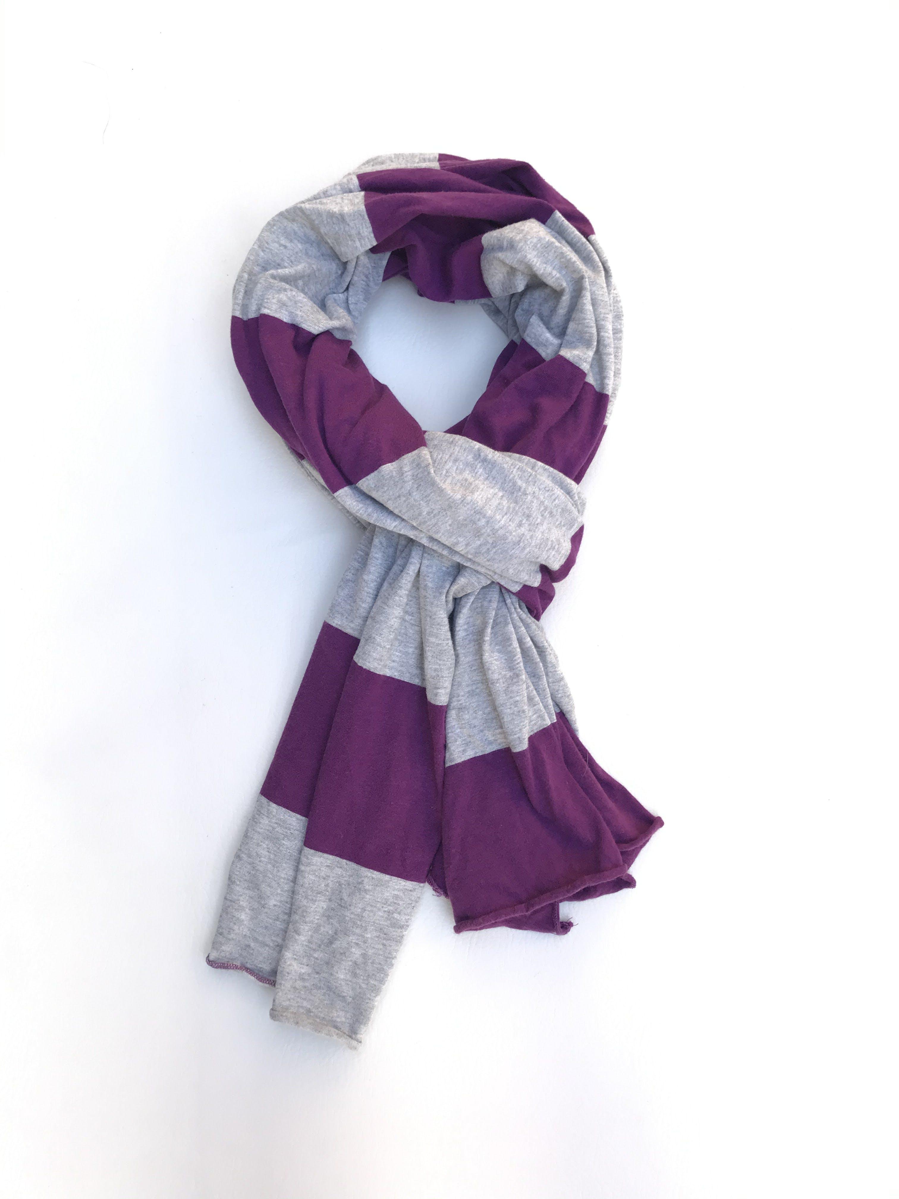 Chalina 100% algodón en franjas plomas y moradas. Rectangular 60x190cm