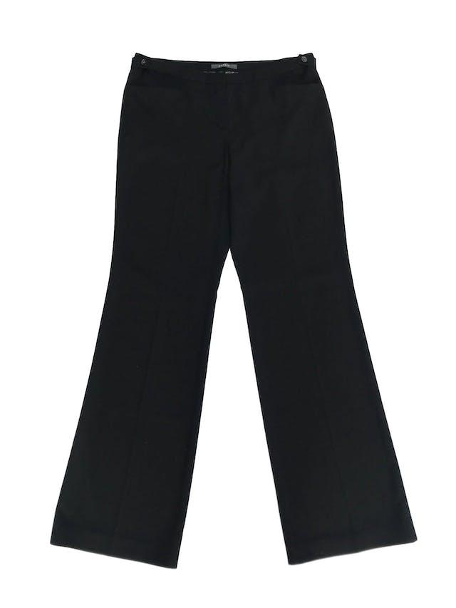 Pantalón Esprit, tela tipo sastre negro, rica al tacto, bolsillos y botones laterales en la pretina, corte recto. Precio original S/ 140. ¡Como nuevo! Talla 32 foto 1