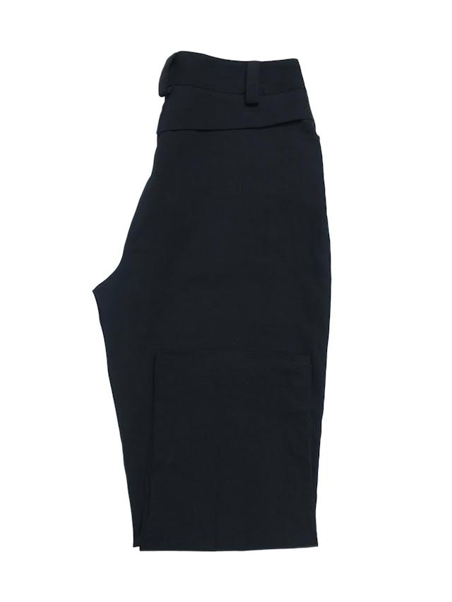 Pantalón a la cintura y largo al tobillo, negro, con bolsillos laterales. Cintura 76cm Largo 88cm foto 2