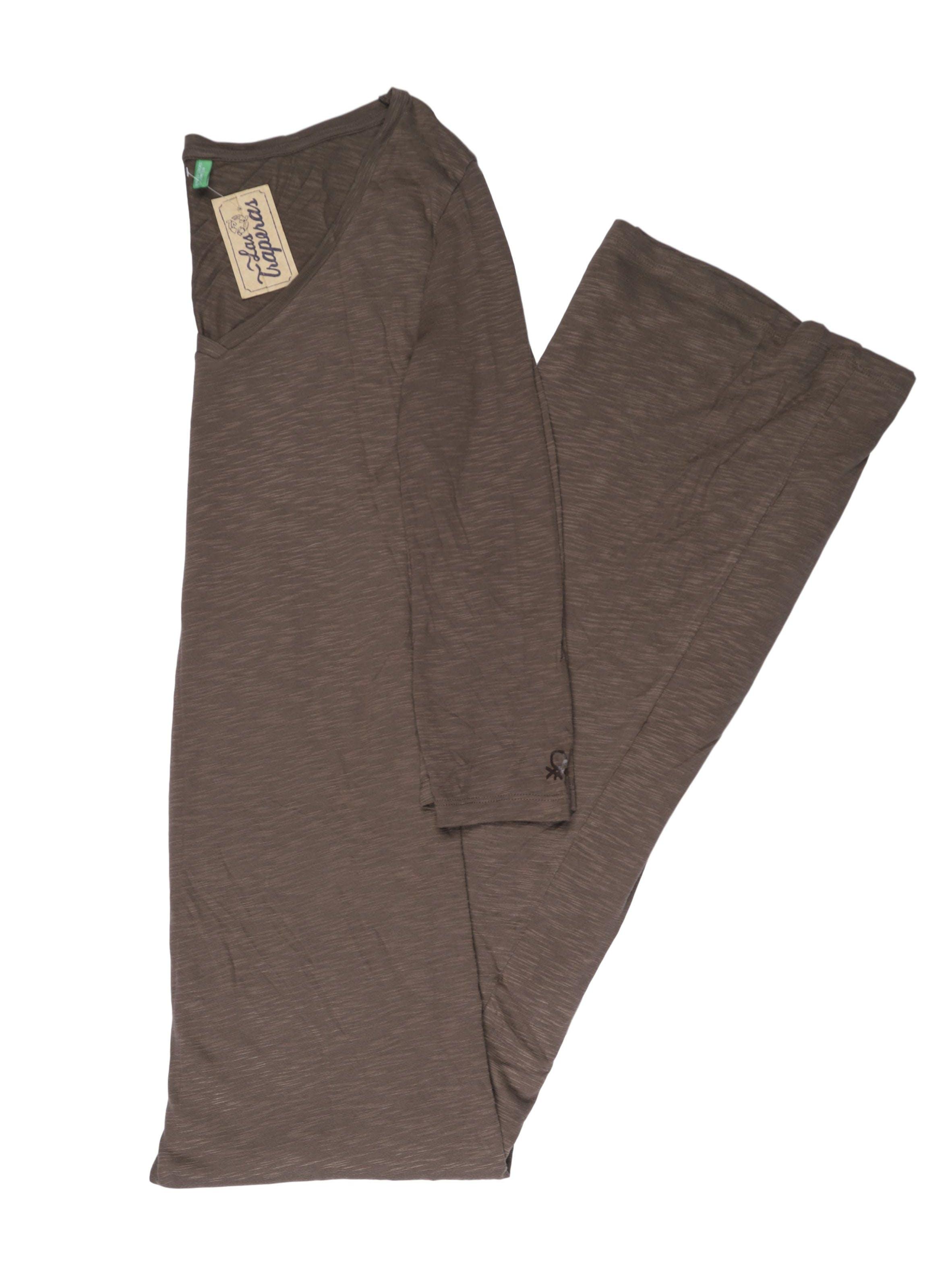 Vestido largo Benetton tipo algodón, escote en V y mangas 3/4