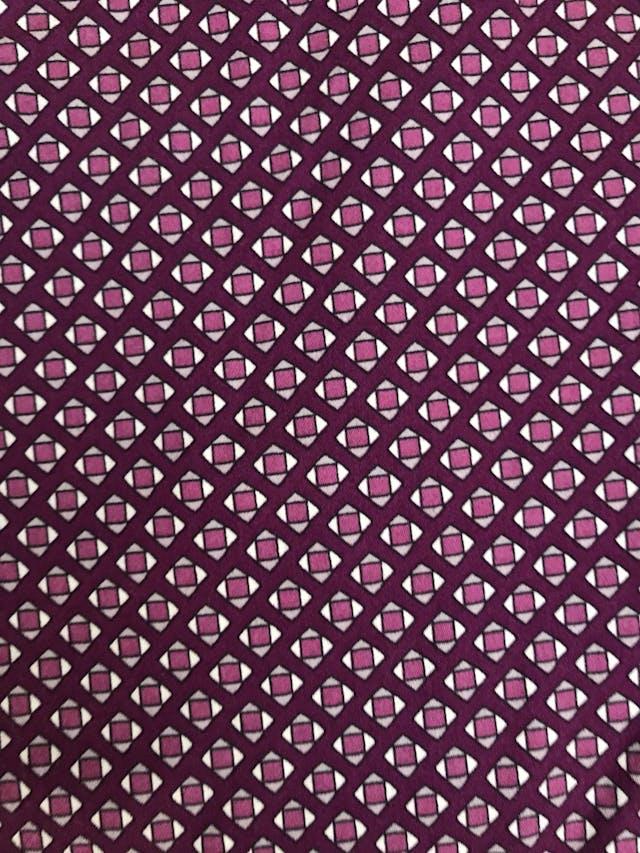 Pantalón Benetton estampado geométrico morado y crema, bolsillos laterales, corte pitillo. ¡Lindo! Precio original S/ 280 Talla 28 foto 3