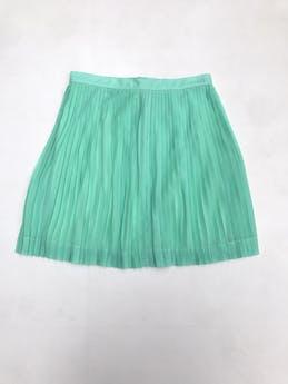 Falda plisada verde agua, forrada, cierre y botón posterior. Largo 46cm foto 1