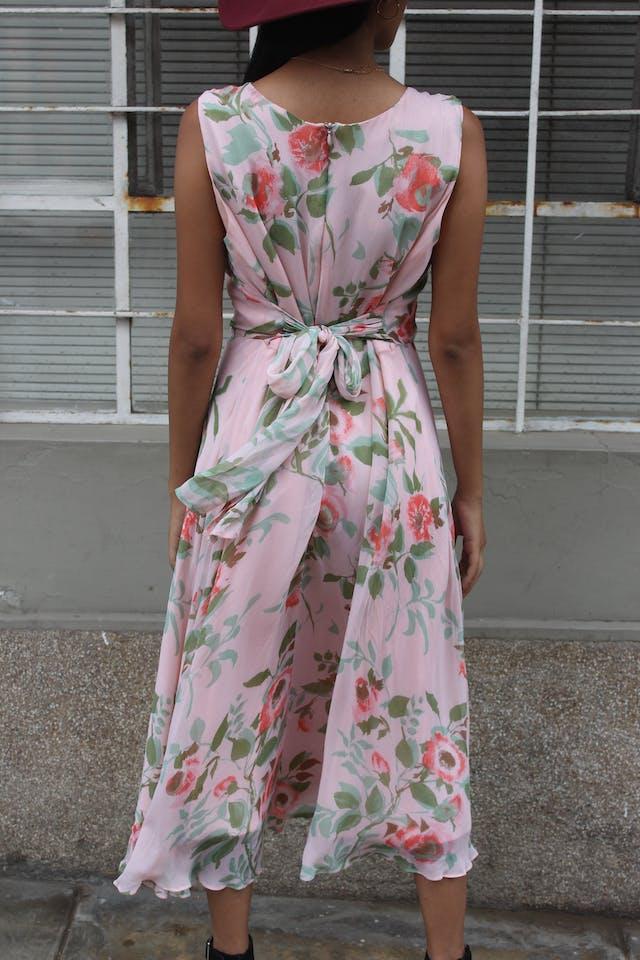 Vestido rosado floreado, cinto para regular la cintura, cierre en la espalda, forrado. Hermoso! Talla M foto 2