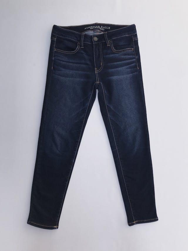 Pantalón jean American Eagle, skinny stretch, azul focalizado, bolsillos laterales. Precio original S/ 140 Talla 27 foto 1