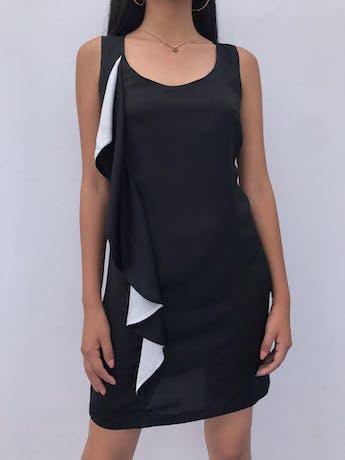 Vestido Mango negro tipo seda con volante blanco y negro a lo largo. Nuevo Talla S foto 1