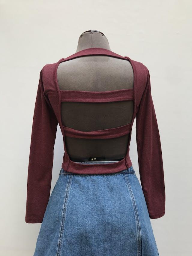 Polo guinda jaspeado, manga larga, con tiras en la espalda, tela tipo algodón stretch Talla S foto 2