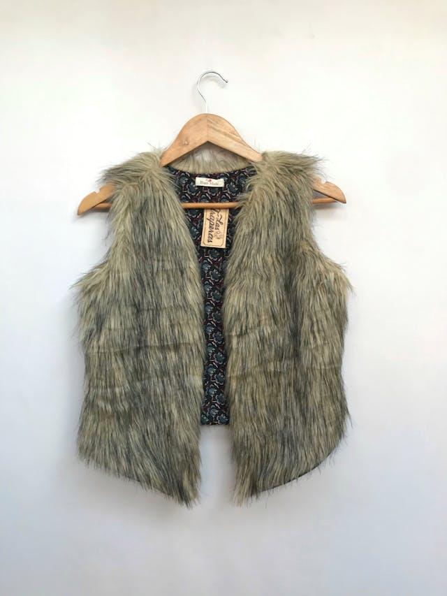 Chaleco de peluche beige y negro, modelo abierto, lleva forro Talla S foto 1