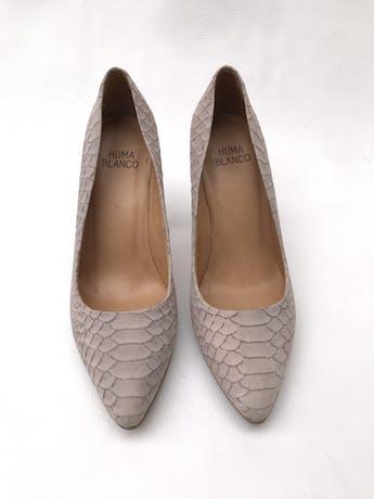 Zapatos stilettos HUMA BLANCO de cuero lila con textura pitón, taco 9cm. HERMOSOS Y EN EXCELENTE ESTADO 9/10. Precio original S/ 880 foto 2